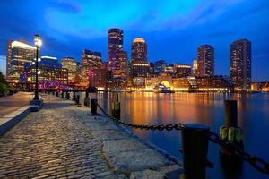 Boston Sunset Skyline am Fan Pier Massachusetts foto