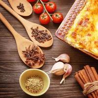 fertige Lasagne und ihre ingradent foto