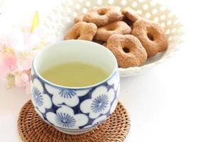 grüner Tee und Kyoto-Süßwaren foto