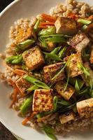hausgemachter Tofu unter Rühren braten foto