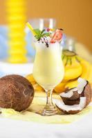 Bananencocktail mit Kokosmilch foto