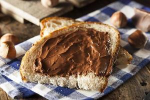 hausgemachter Schokoladen-Haselnuss-Aufstrich
