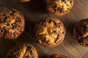 hausgemachte Schokoladensplitter-Muffins foto
