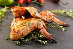 Grill Hühnerflügel foto