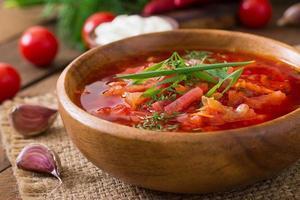 traditionelle ukrainische russische Gemüse-Borschtschsuppe foto