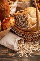 Komposition mit Brot foto