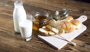 Brot im Korb foto