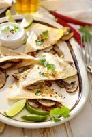 Quesadilla mit Pilzen foto