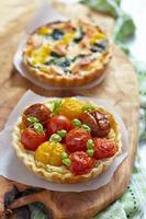 Quiche mit Tomaten foto