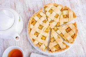 hausgemachter Apfelkuchen, Dessert essfertig foto