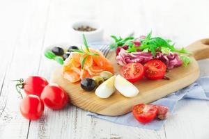 Salat mit Lachs foto