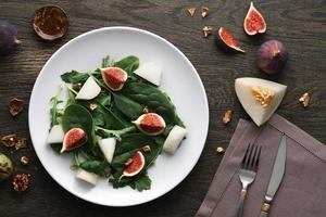 Salat mit Melone und Feige foto
