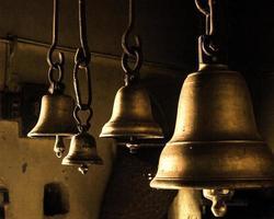 Glocken in einem Tempel foto