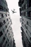 Flugzeug über der Stadt Brüssel Tilt-Shift foto