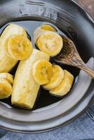 Bananenscheiben mit Honig foto
