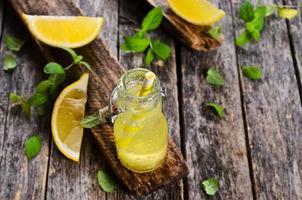 Getränk von Zitrone