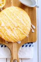 klebriger Zitronenkuchen foto