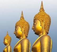 goldene Tempelstatuen und Kunstwerk buddhistische Kultur und Lebensstil