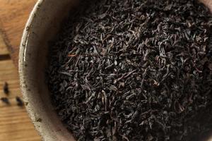 trockener schwarzer Loseblatt-Tee