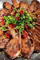 Entenkopf mit Chili-Topf foto