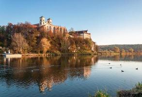 Benediktinerabtei in Tyniec im Herbst, Krakau, Polen foto