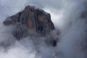 Spitze in den Wolken