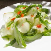 Gurkensalat mit Chili foto