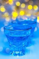 Glas mit Alkohol trinken foto