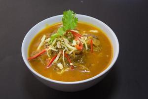 Kaeng hing Ley Moo oder Schweinefleisch Curry Nordthaiisches Essen foto