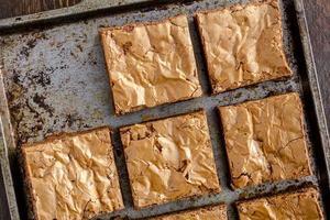 hausgemachte doppelte Schokoladenstück Brownies foto
