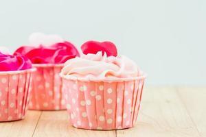 bunt von süßer Tasse Kuchen. foto