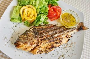 gebratener gebackener Fisch