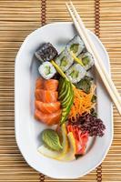 frische Sushi-Rollen foto