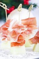 Melone mit Schinken-Snack