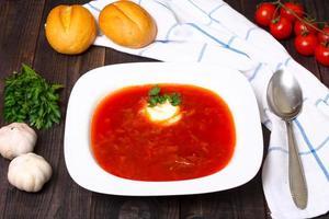 traditionelle russische und ukrainische Borschtschsuppe foto