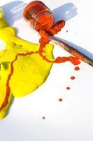 gelbe und rote Farben foto