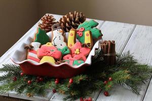 Weihnachtsdekoration mit Lebkuchen