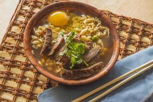 asiatisches Rindfleisch Ramen foto