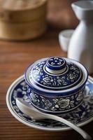 Schüssel asiatische Suppe foto