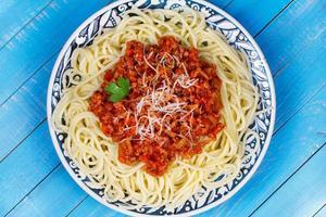 Spaghetti mit Bolognese-Sauce foto