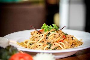 spaghetti huhn würziges huhn spaketty herzhaft zahnig lecker lecker essbar, schmackhaft, herzhaft, herzhaft, lecker foto