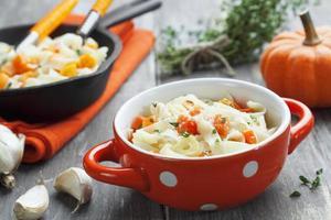 Nudeln mit Kürbis und Parmesan foto