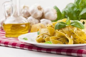 Pasta Tagiatelle mit Pesto foto