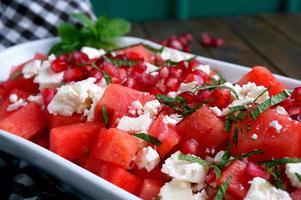 Wassermelone und Feta-Käse-Salat foto