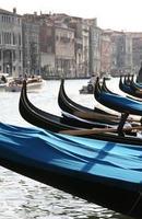 Gondeln am Canal Grande in Venedig, Italien. foto