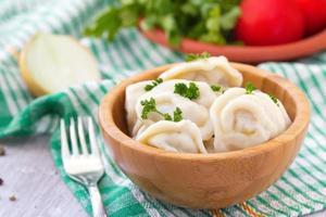 Fleischpelmeni mit Butter foto