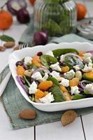 Baby-Spinat-Salat, Nahaufnahme. foto