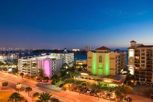 Sonnenuntergang von klarem Wasser bei Tampa Florida uns foto