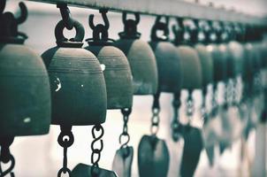 Vintage Ton heilige Glocke der Zeremonie im Tempel, Thailand