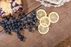 Heidelbeer-Zitronen-Kaffee-Kuchen foto
